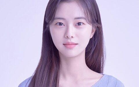 韓国女優キムイニの年齢・身長・家族・彼氏は?学歴・出演ドラマ・インスタも!